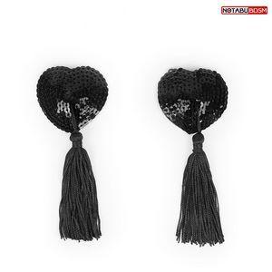 Черные текстильные пестисы в форме сердечек с кисточками