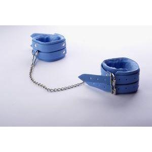 Голубые оковы на ноги